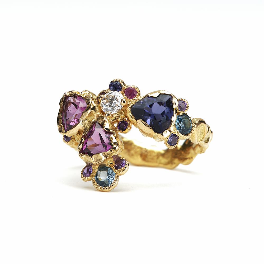 Anais Rheiner Bague Joyaux délices or jaune 18 carat diamants grenats roses et iolites
